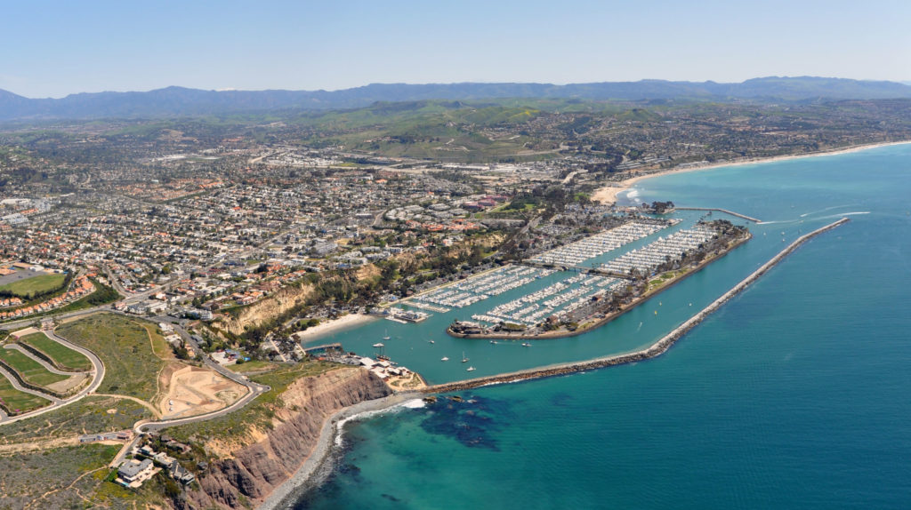 Dana Point - Southern city of Orange County. Famous for its beaches.