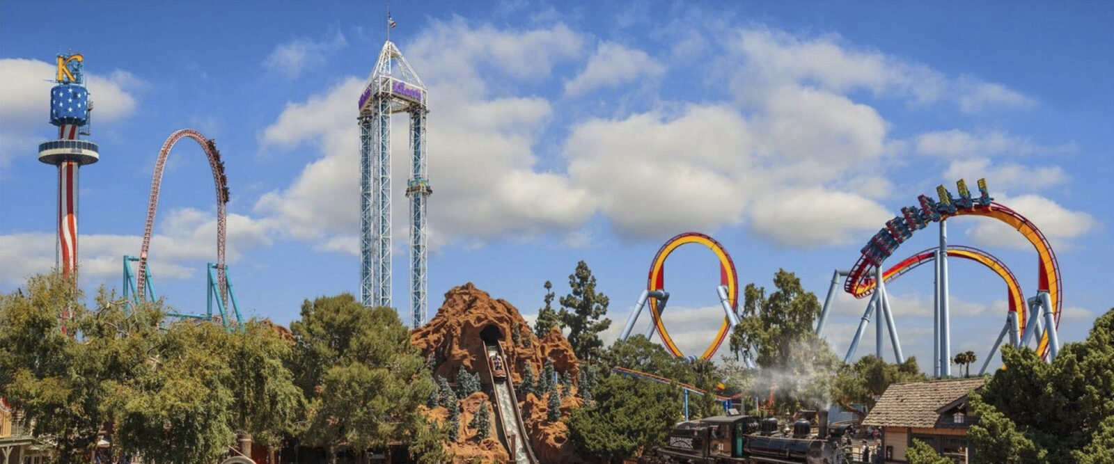 Knott's Berry Farm Theme Park is a great place to spend time with friend and family.