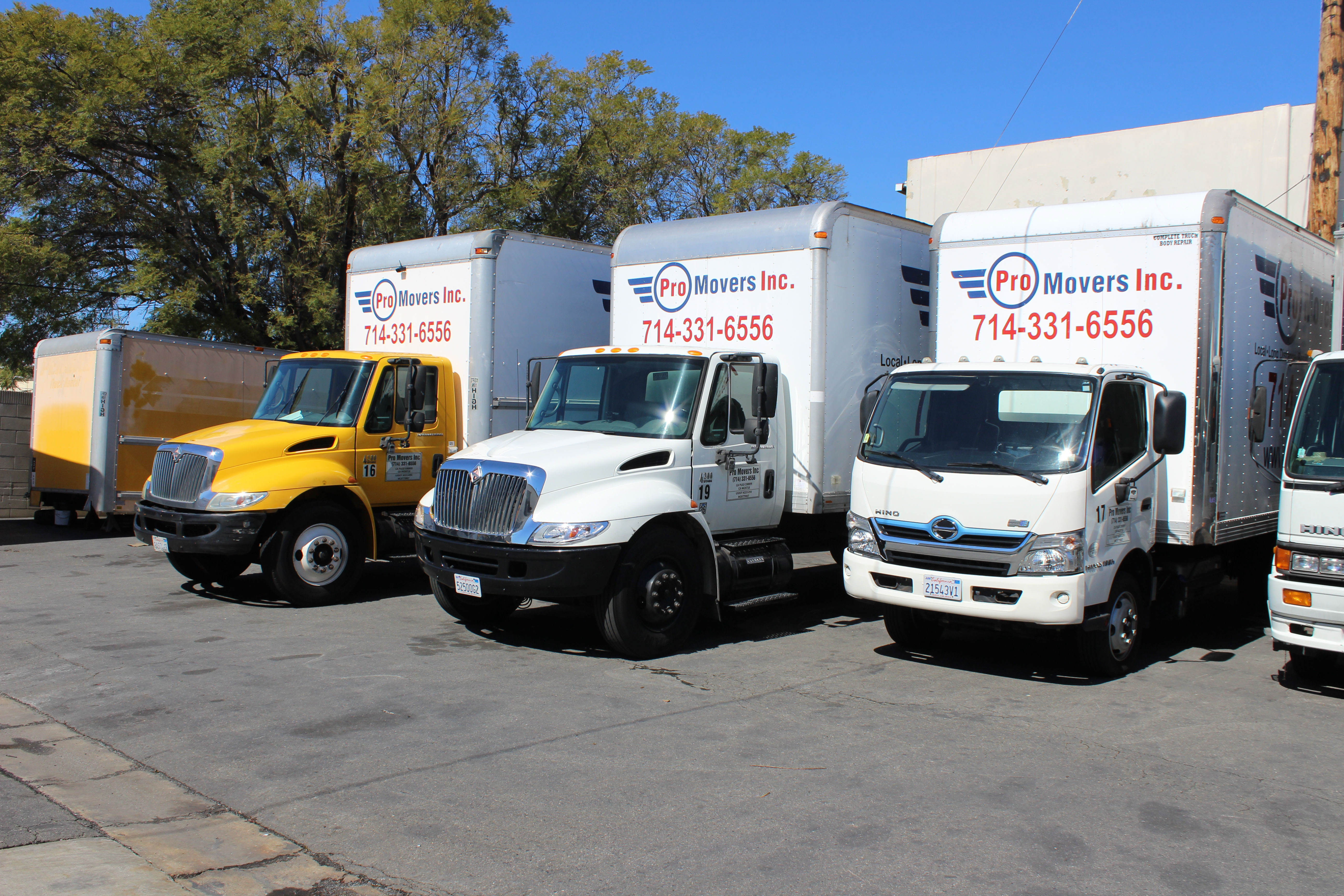 No more stress during residential moving with Pro Movers truck park.