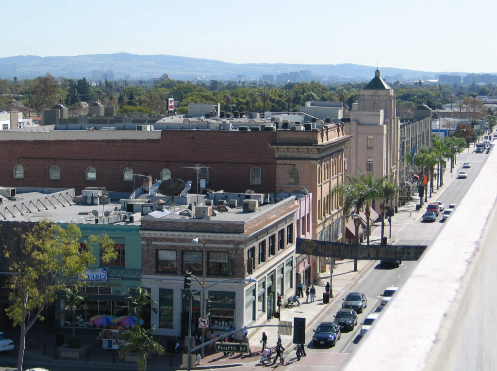 A beautiful sight of Santa Ana. Move here with the comfort with the help of Pro Movers.