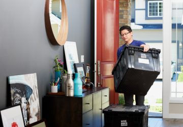 Make Your Relocation Easier With These 18 Moving and Packing Tips
